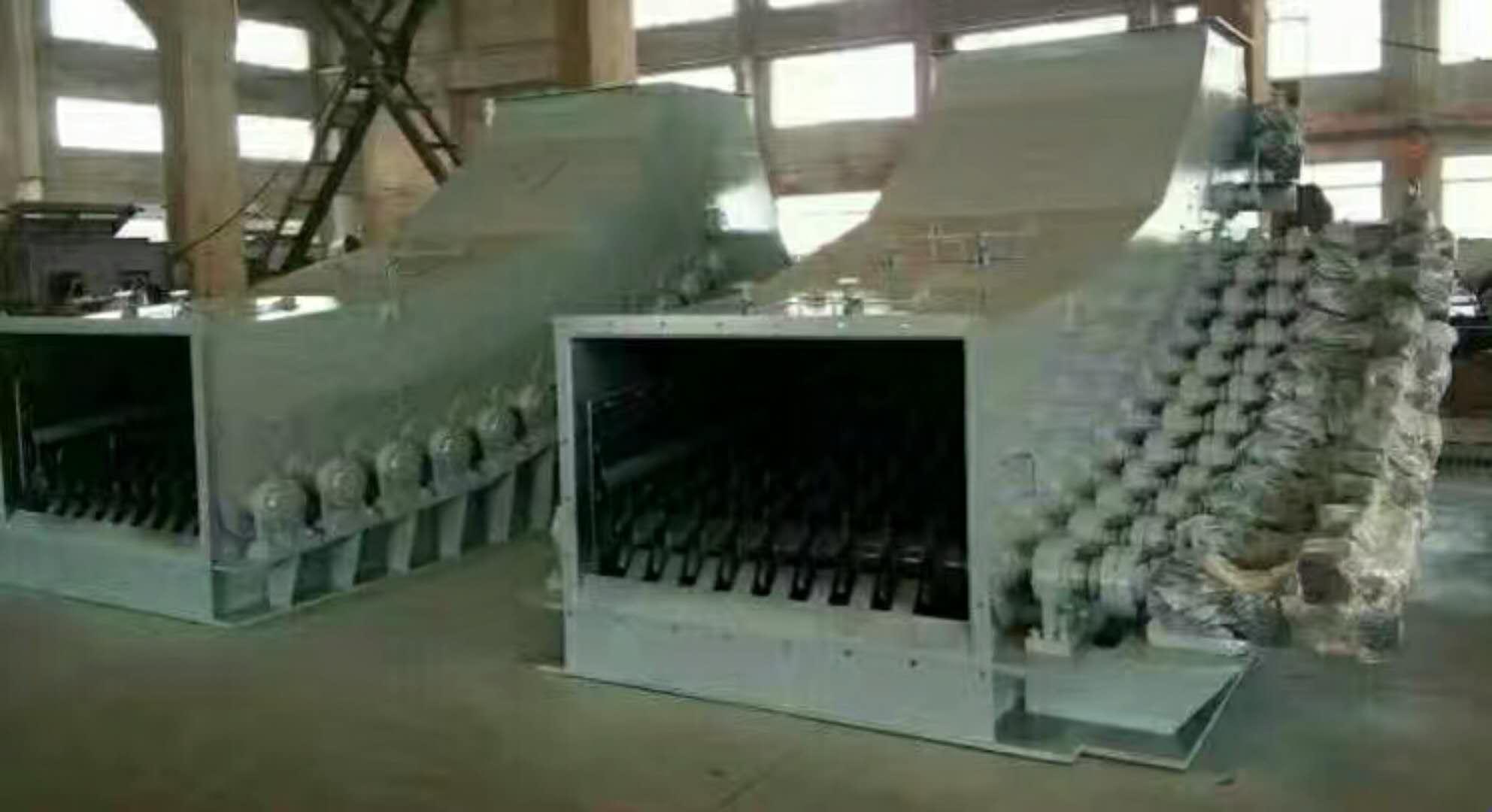 倾斜式滚轴筛煤机